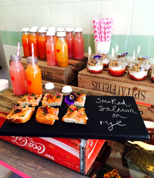 Peardroplondon nibbles & juices